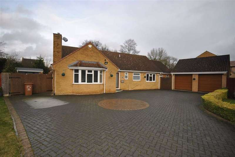 4 Bedrooms Detached Bungalow for sale in West Hunsbury