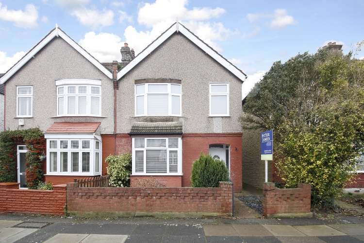 3 Bedrooms Semi Detached House for sale in Heather Road London SE12