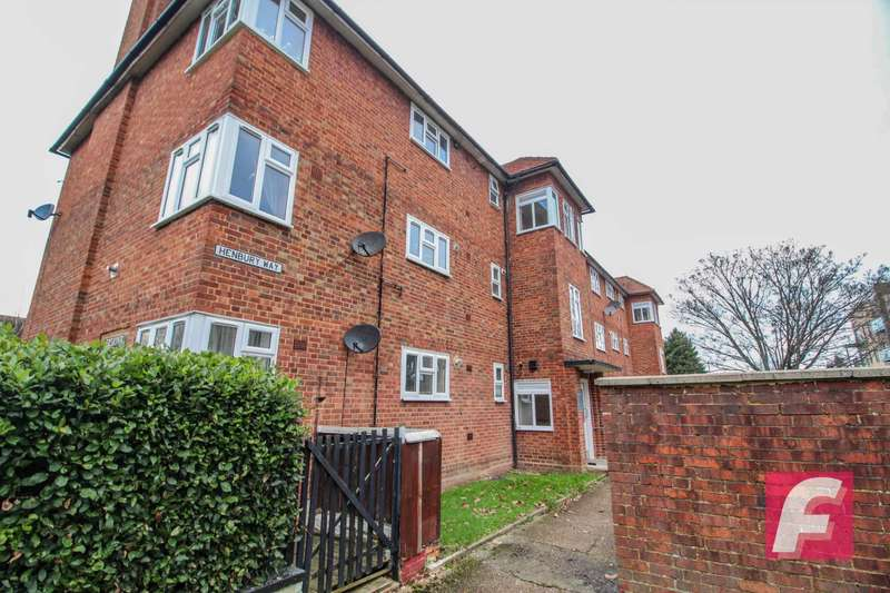 1 Bedroom Flat for sale in Erskine House, Henbury Way, South Oxhey