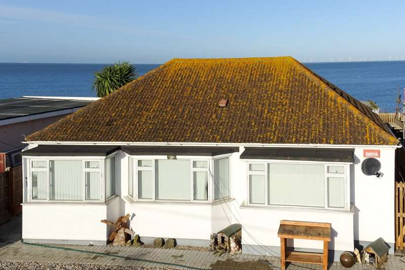 3 Bedrooms Detached Bungalow for sale in Chrysler Avenue, Herne Bay
