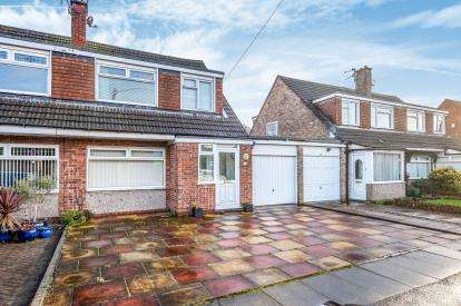 3 Bedrooms Semi Detached House for sale in Buckfast Drive, Formby, Liverpool, Merseyside, L37