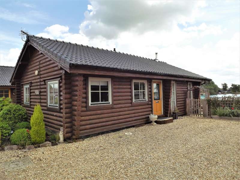 3 Bedrooms Detached Bungalow for sale in Gibson Approach, Tattershall Lakes, Lincoln, LN4 4LR