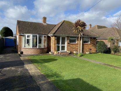 3 Bedrooms Bungalow for sale in Hayling Island, Hampshire, .