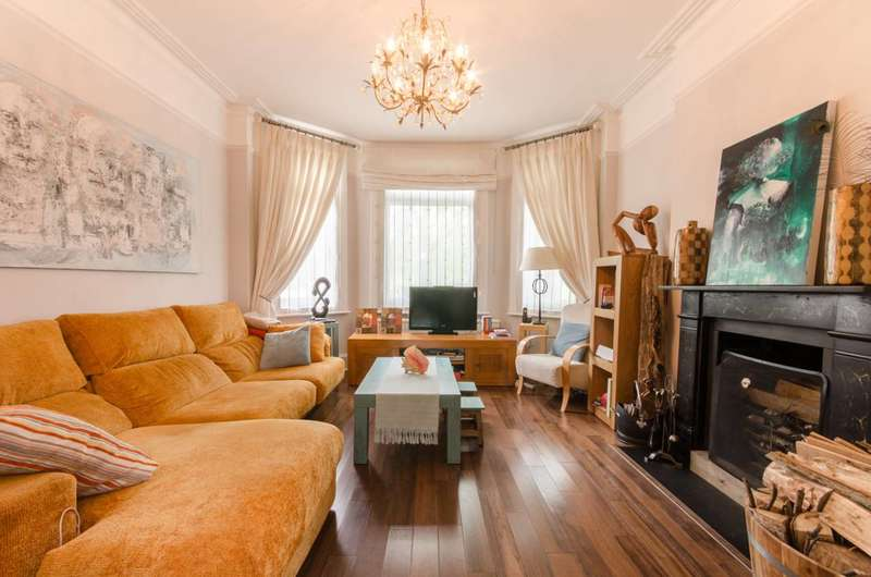 4 Bedrooms House for sale in Chase Side, Chase Side, EN2