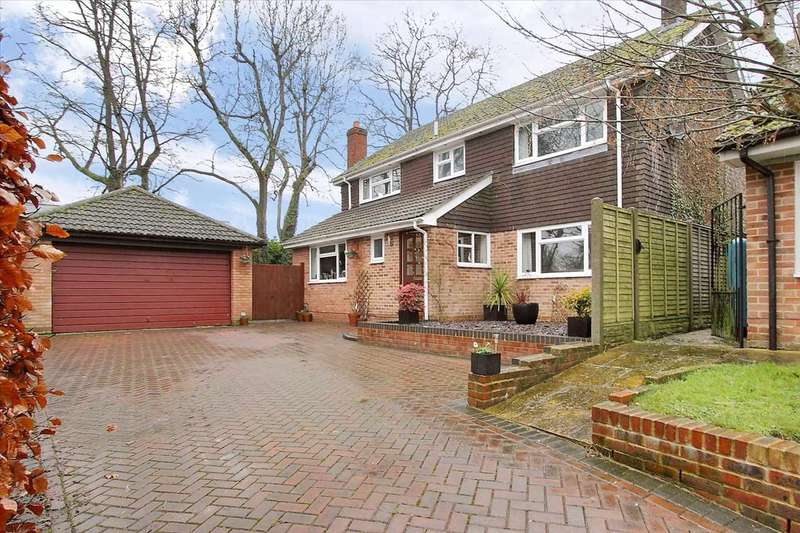4 Bedrooms Detached House for sale in Shepherd's Rise, Andover