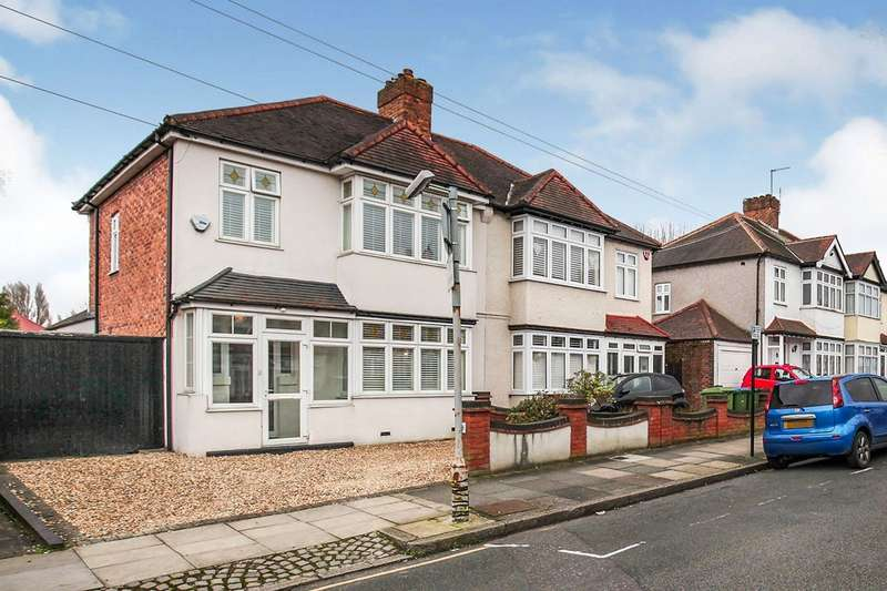 3 Bedrooms Semi Detached House for sale in Thaxted Road, London, SE9