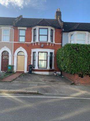 3 Bedrooms Terraced House for sale in Minard Road, London