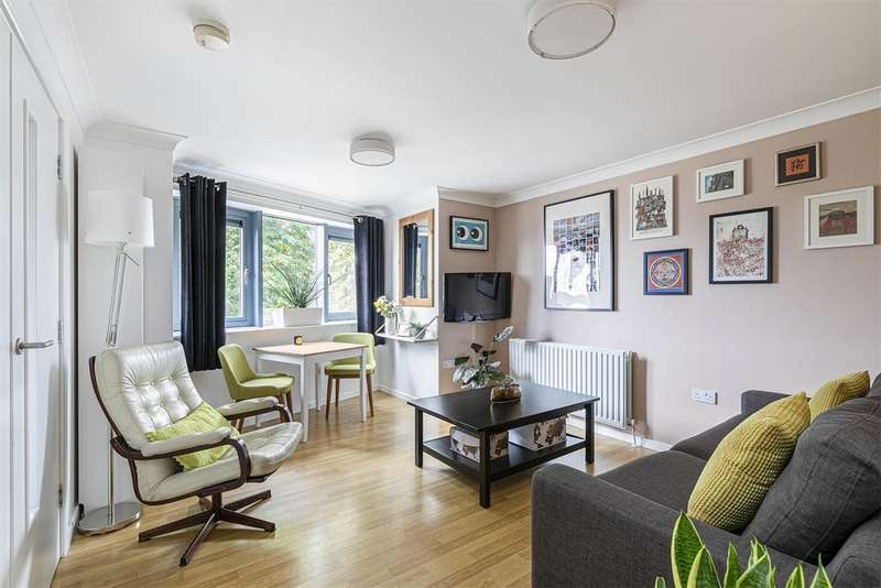 1 Bedroom Apartment Flat for sale in Rendlesham Road, London, E5