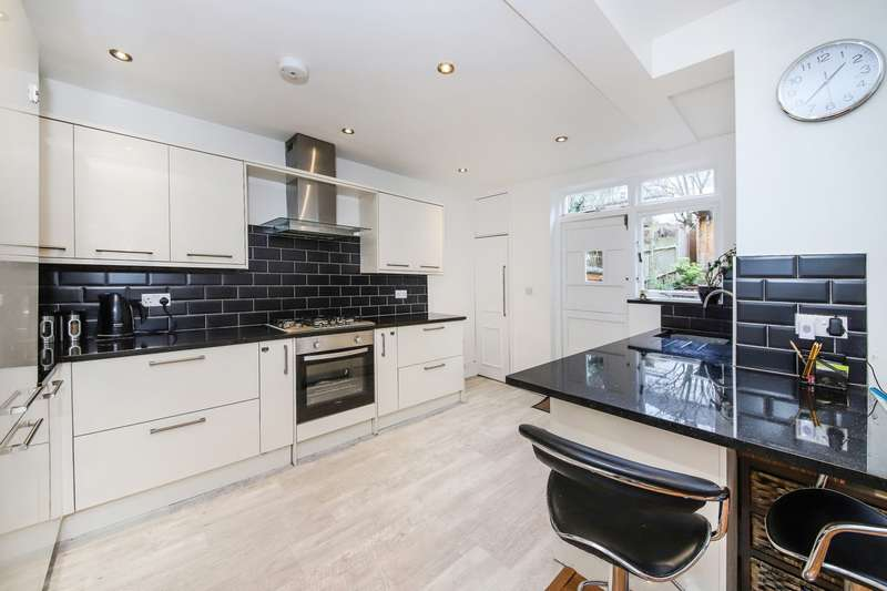 4 Bedrooms Terraced House for sale in Ross Road, South Norwood