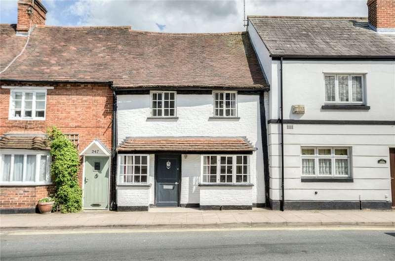 3 Bedrooms Terraced House for rent in High Street, Henley-in-Arden, B95