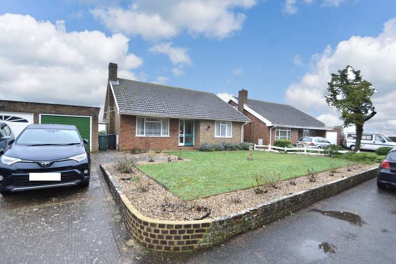 3 Bedrooms Detached Bungalow for sale in Quay Lane, Brading
