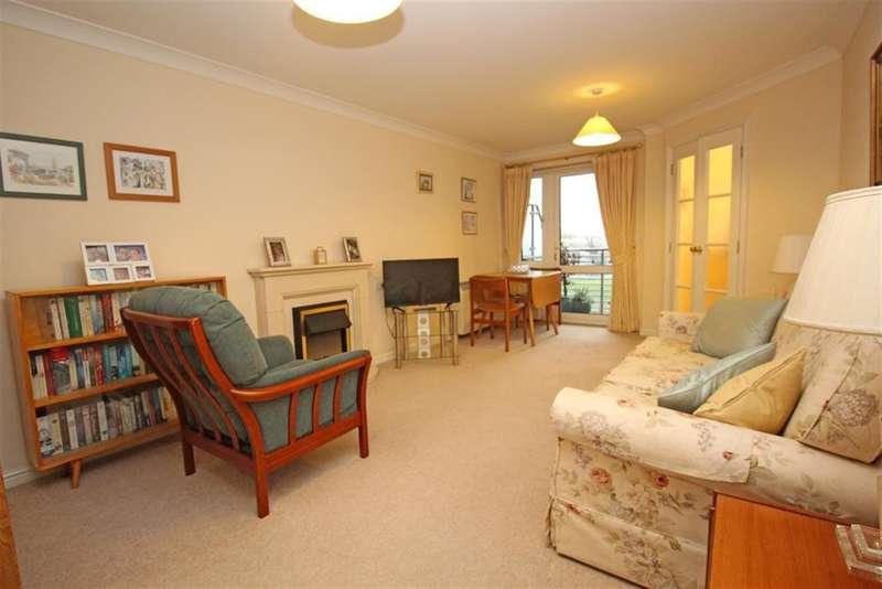 1 Bedroom Flat for sale in Danestrete, Stevenage, SG1 1YJ