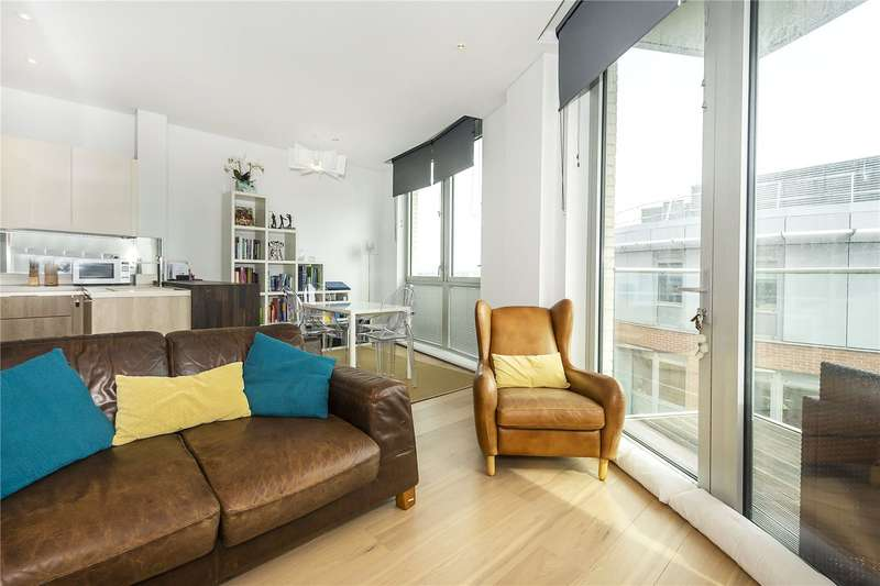 2 Bedrooms Flat for sale in Grand Tower, 1 Plaza Gardens, London, SW15