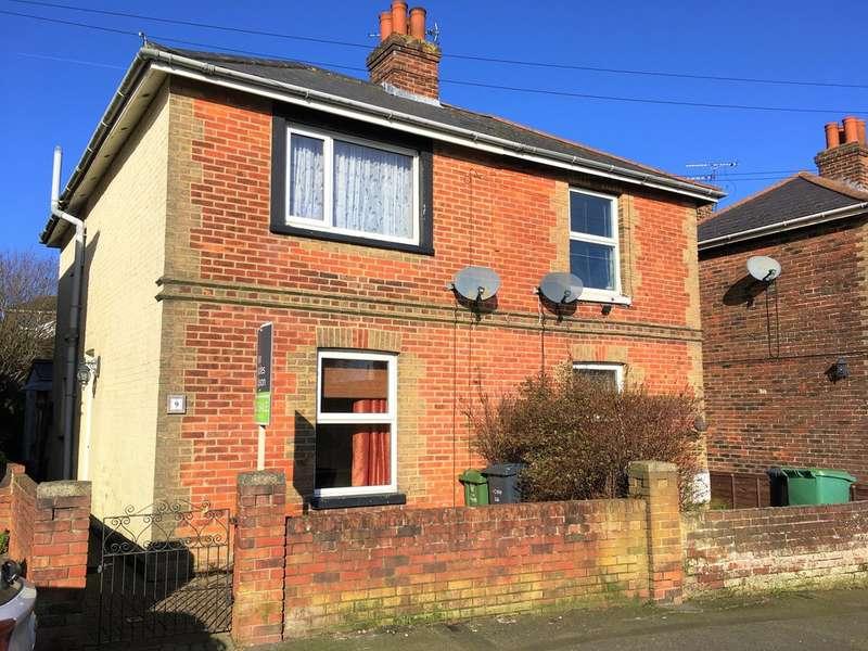3 Bedrooms Semi Detached House for sale in Osborne Road, Ryde