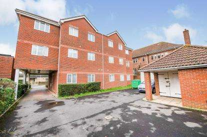 2 Bedrooms Flat for sale in Sixth Avenue, Portsmouth, Hampshire