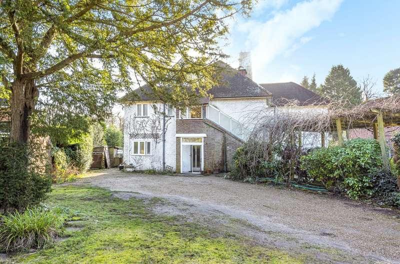 6 Bedrooms Detached House for sale in Lockside, Oak End Way, Woodham, KT15
