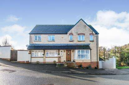 4 Bedrooms Detached House for sale in Axminster, Devon