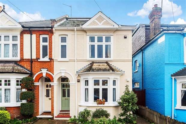 4 Bedrooms Semi Detached House for sale in Dennan Road, Surbiton
