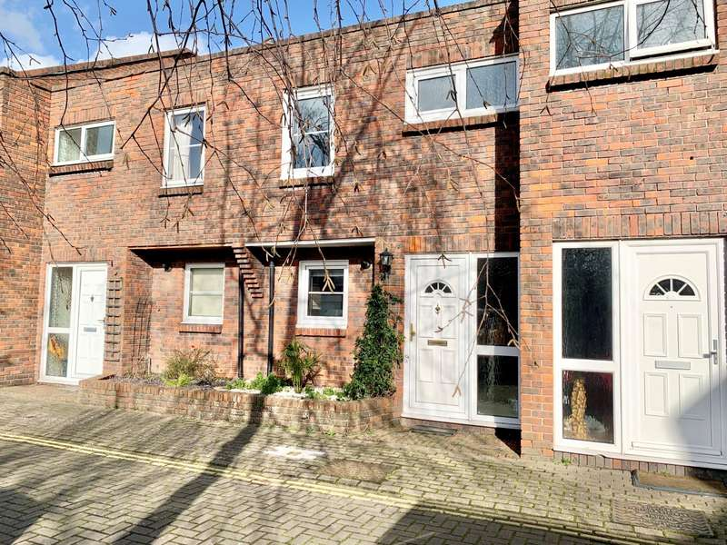 3 Bedrooms House for sale in Halfpenny Lane, Portsmouth, Hampshire, PO1