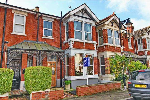 3 Bedrooms House for sale in Rochester Road, Southsea, Hampshire