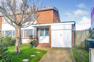 2 Bedrooms Semi Detached House for sale in Park View, Sturry, Canterbury, Kent