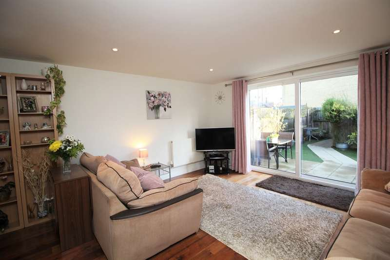 3 Bedrooms End Of Terrace House for sale in Watersmeet, Grove Road, Hitchin, SG4