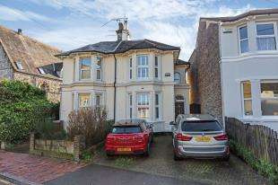 3 Bedrooms Semi Detached House for sale in Albion Road, Tunbridge Wells, Kent, .