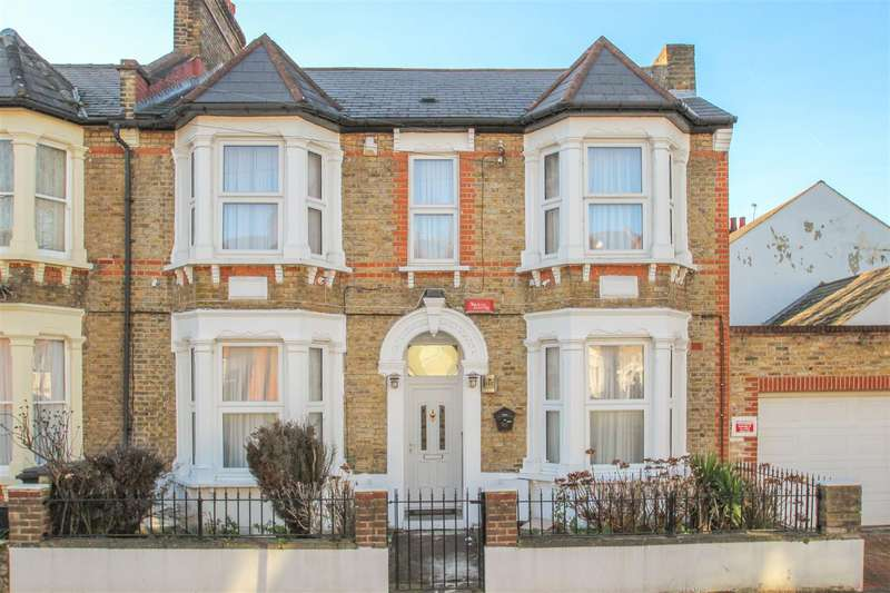 2 Bedrooms Flat for sale in Laleham Road, Catford, London
