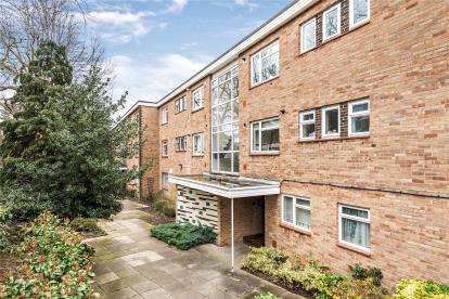 2 Bedrooms Flat for sale in River Grove Park, Beckenham