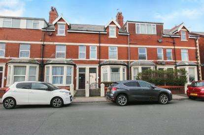 6 Bedrooms Terraced House for sale in St Albans Road, Lytham St Anne's, Lancashire, FY8