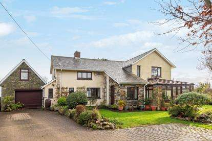 5 Bedrooms Detached House for sale in St. Austell, Cornwall