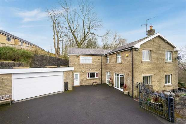 3 Bedrooms Detached House for sale in Haslingden Road, Rossendale, Lancashire