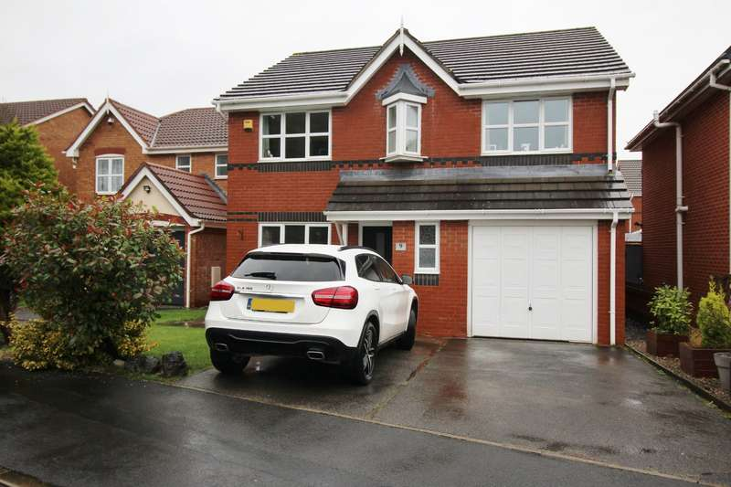 4 Bedrooms Detached House for sale in Woodcock Close, Bamber Bridge, Preston, Lancashire, PR5