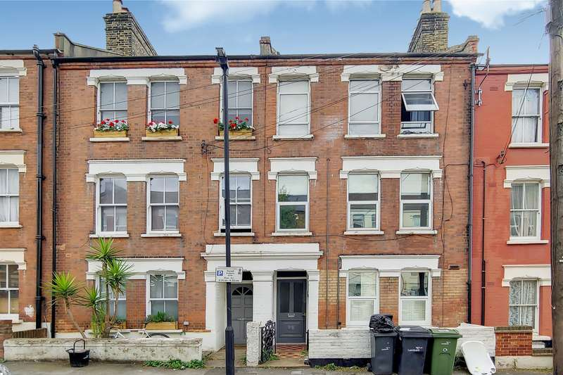 2 Bedrooms Flat for sale in Northlands Street, London, SE5 9PL