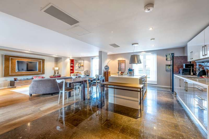 3 Bedrooms Flat for sale in Palace Place, Westminster, SW1E