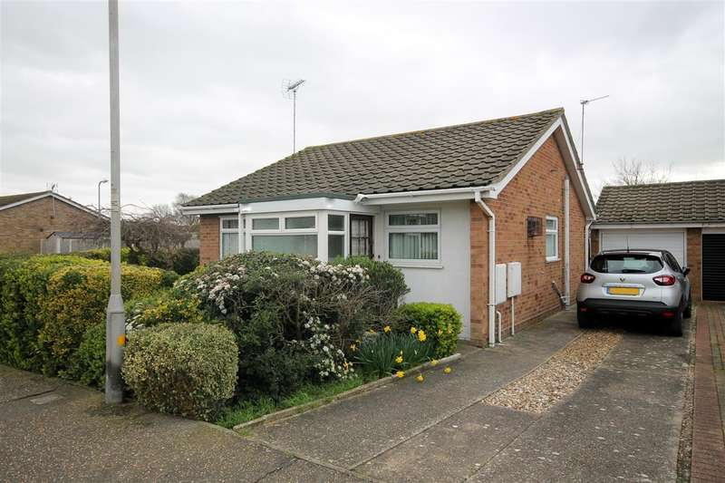 2 Bedrooms Bungalow for sale in Redbridge Road, Great Clacton