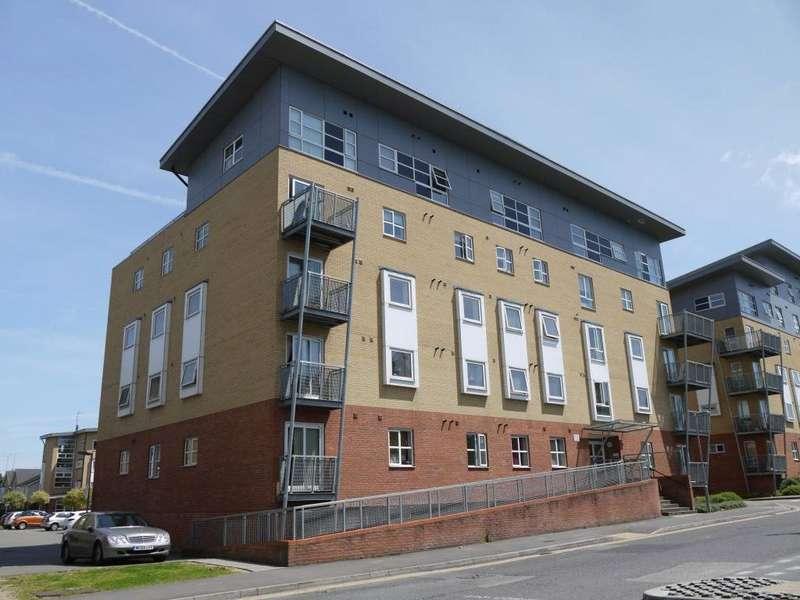 2 Bedrooms Flat for sale in Hepburn Court, Station Road, Borehamwood, Hertfordshire, WD6