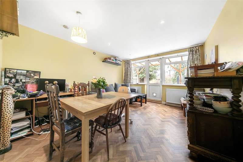 2 Bedrooms Flat for sale in Thrale Road, London, SW16
