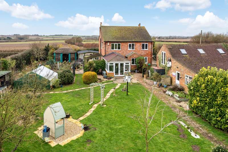 4 Bedrooms Detached House for sale in Louth Road, West Ashby, Horncastle, Lincs, LN9 5PS