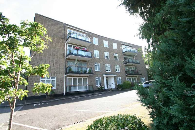 3 Bedrooms Apartment Flat for sale in Holmebury Close, Hive Road, Bushey Heath