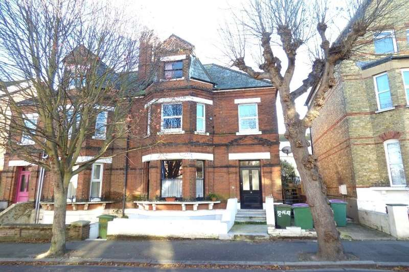 2 Bedrooms Flat for sale in Connaught Road, Folkestone, CT20