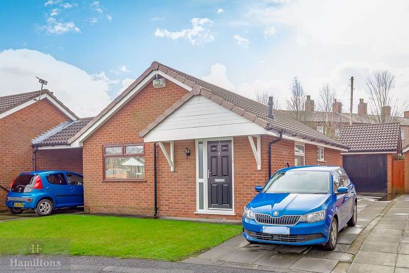 2 Bedrooms Detached Bungalow for sale in Swallowfield, Leigh, Greater Manchester. WN7 1HT