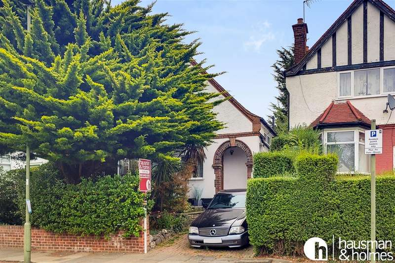 3 Bedrooms House for sale in Wentworth Road, NW11