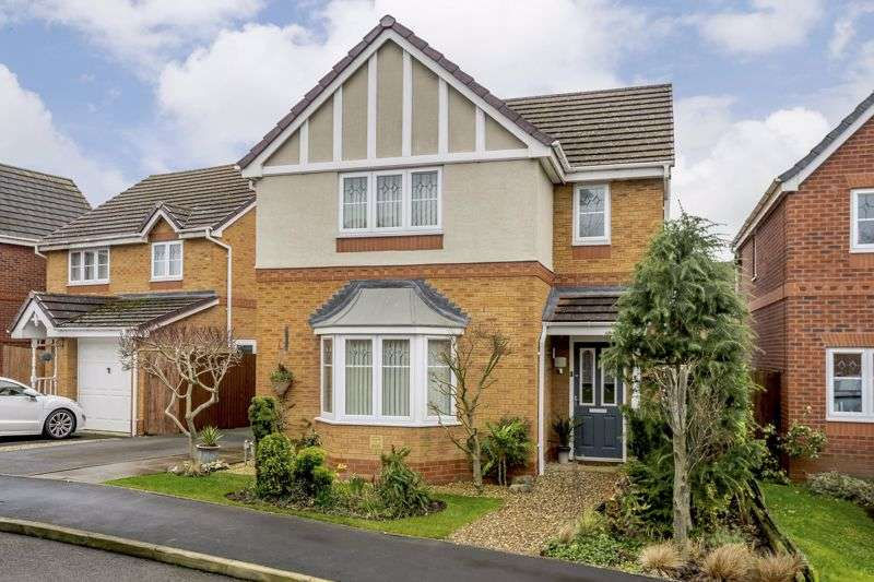 3 Bedrooms Property for sale in Henley Drive, Oswestry, SY11