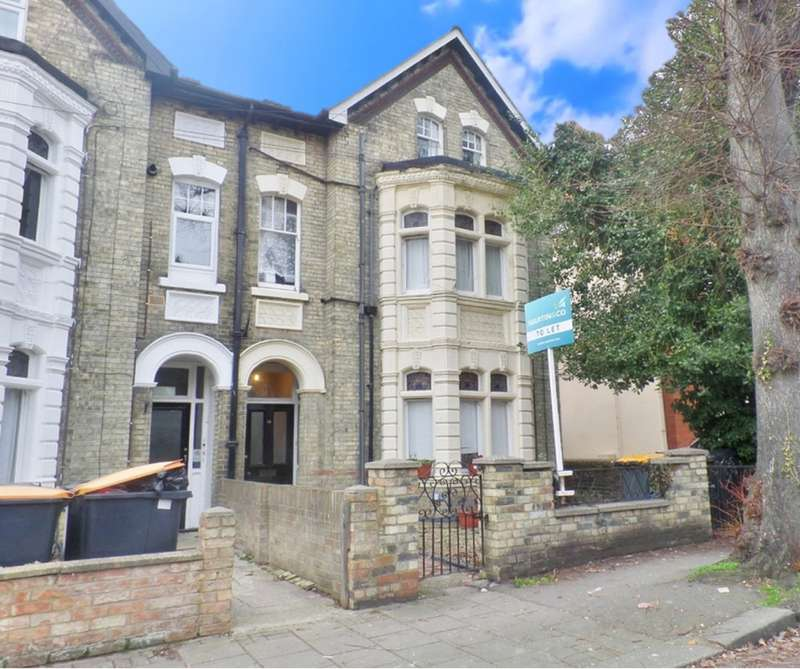 Property for rent in Chaucer Road, Bedford MK40