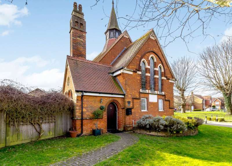 4 Bedrooms Detached House for sale in St. Marys Drive, Etchinghill, Folkestone, Kent CT18 8NQ