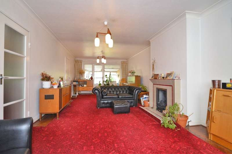 3 Bedrooms Semi Detached House for sale in Seafield Road, London, N11 1AR