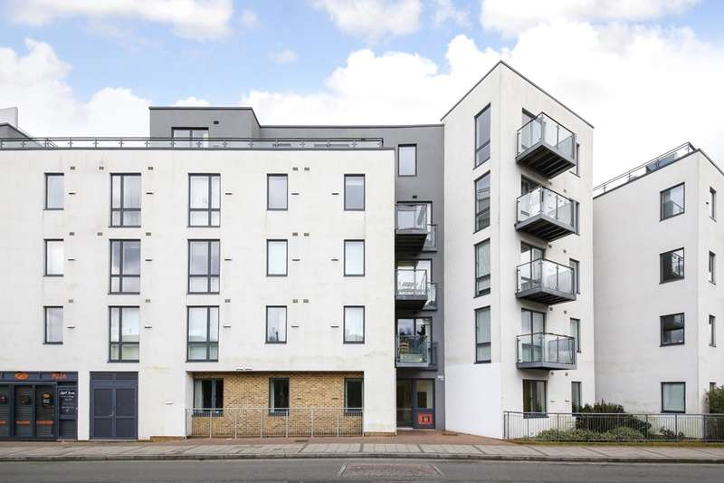 2 Bedrooms Flat for sale in Perry Vale, London