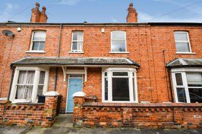 2 Bedrooms Terraced House for sale in Cecil Street, Lincoln, Lincolnshire