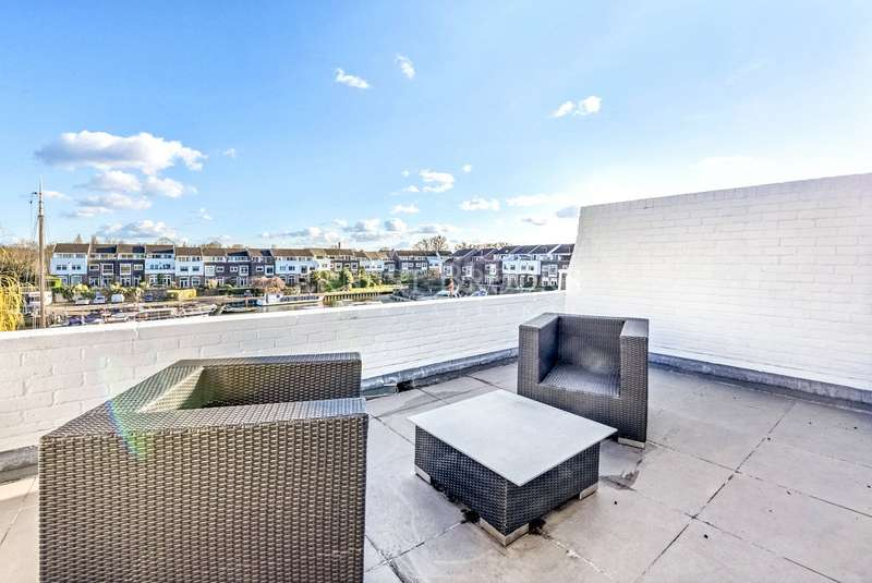 4 Bedrooms House for sale in Chiswick Quay, London, W4